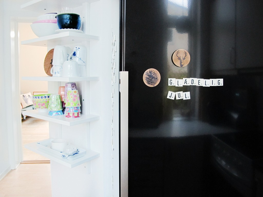 magneterne på køleskabet