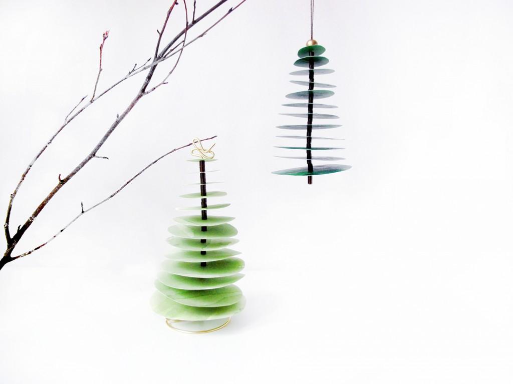 de færdige juletræer