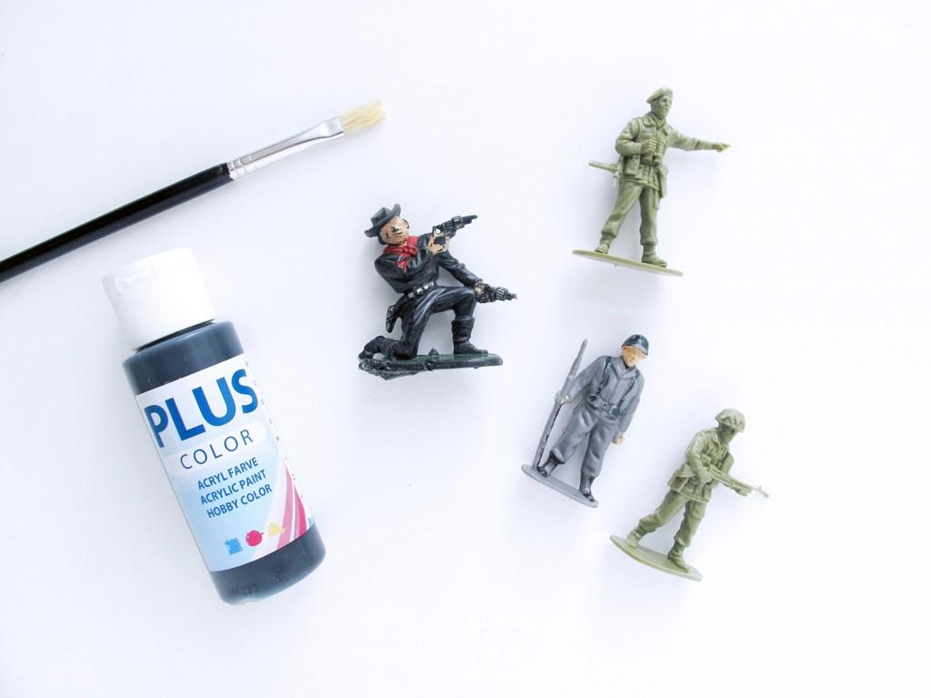 materialer: plastik soldater, maling, pensel