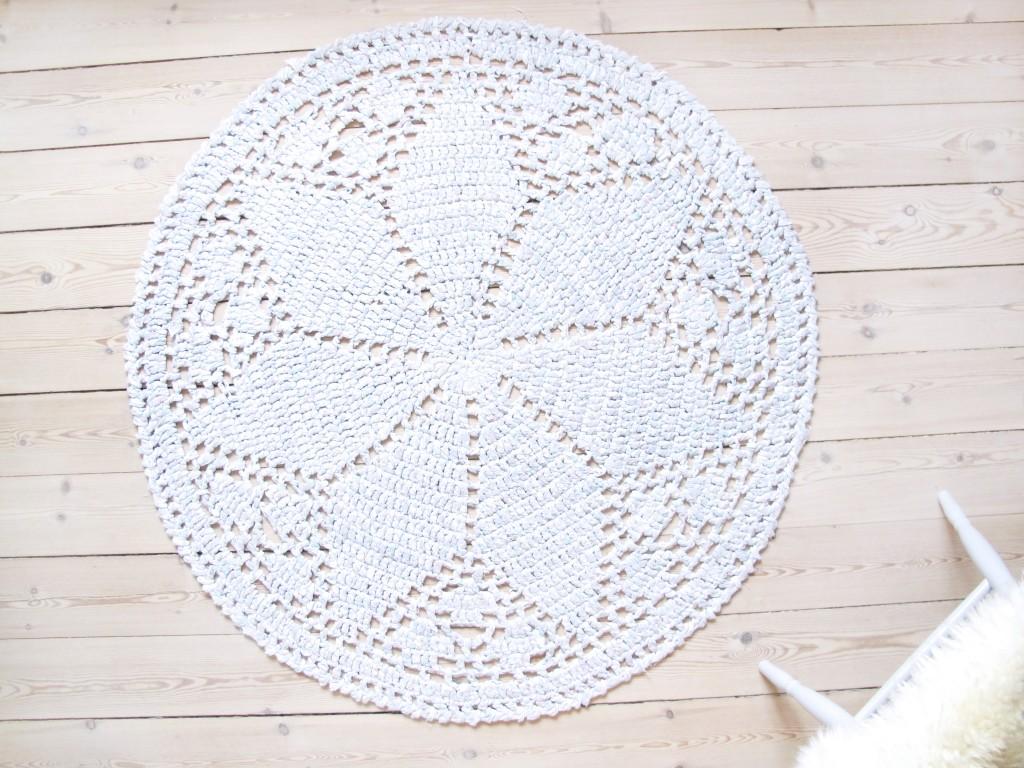 moderne hæklet tæppe til boligen