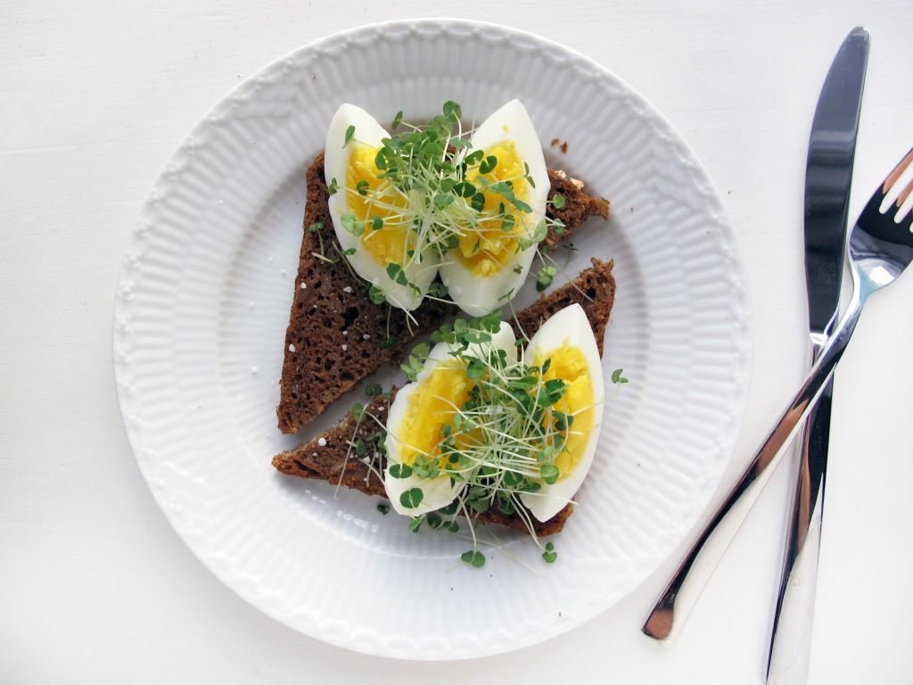 æggemad med chia karse af chia frø
